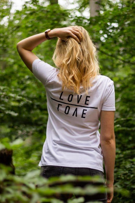 Good-Natured: Love-Female-Hinten